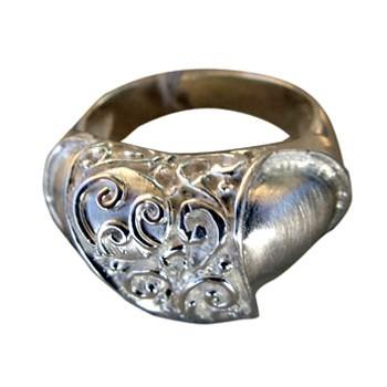 Ring, Silber, matt, mit feinen Ziselierarbeiten