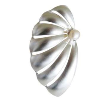Brosche mit Perle 80 x 40 mm