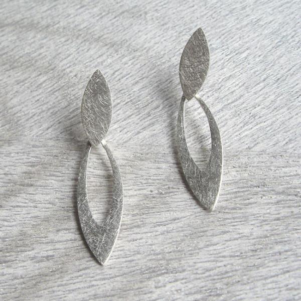 E 957 , beweglicher Ohrstecker, Silber